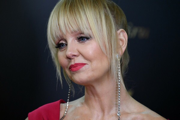 После того, как Сергей Шнуров вступил в «Партию Роста», певица Валерия создаст партию под названием «Сильные женщины» Она будет бороться за права женщин, но при этом ее защита не коснётся