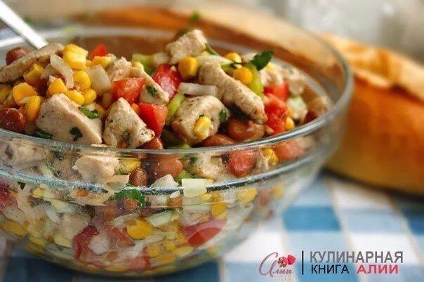 Восхитительный Салат с кукурузой и курицей