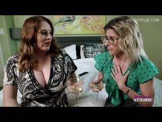 Maggie Green, Cory Chase - Горячая мамочка трахает своего сына  (3)