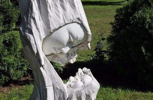 """Скульптура """"Мама"""""""