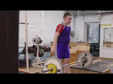 Новокрещенов Тимофей 12 лет вк 81 Рывок в полуприсед Ух в сед 28 кг