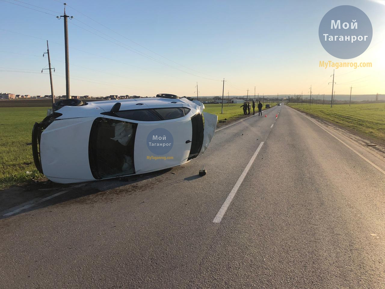 Под Таганрогом перевернулся автомобиль Volkswagen Polo, водитель погиб