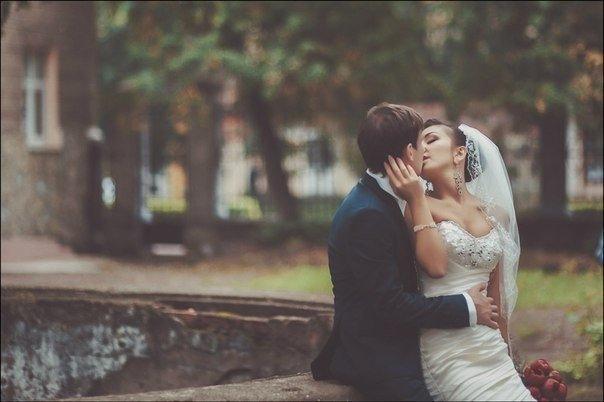 Для брака полный сосуд эмоциональной любви настолько же важен, как важен для автомобиля полный топливный бак