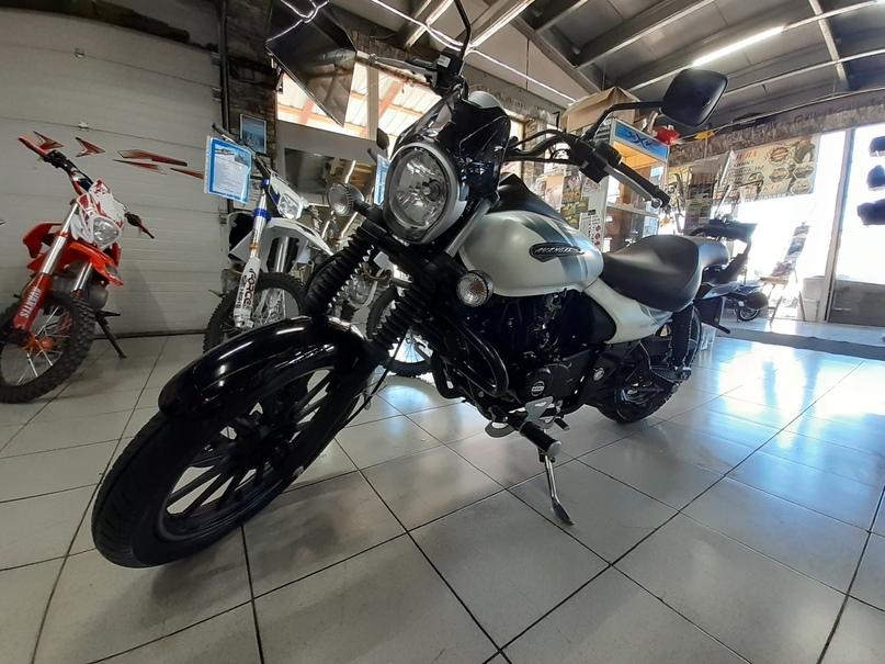 Обзор Мотоцикла BAJAJ Avenger 220 Street, изображение №4