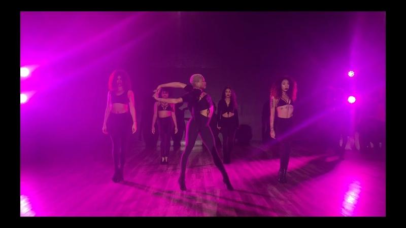COMFORTABLE - H.E.R. - PURRMOVEMENT - Choreography by Cisco Ruelas