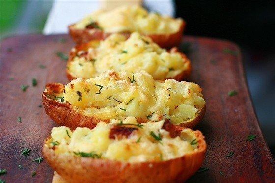 Картофель, запеченный в мундире.