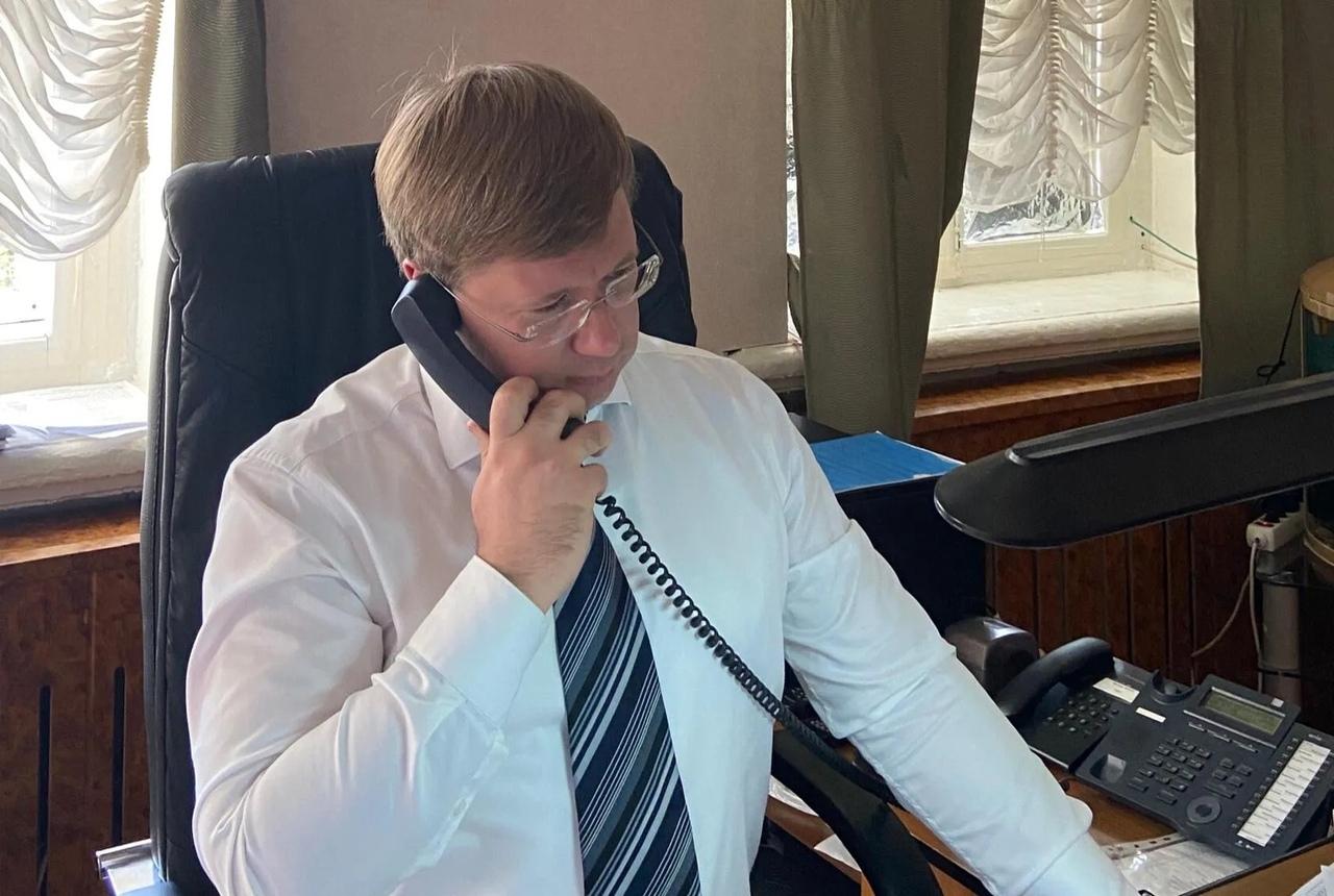 Глава района в формате телефонной связи пообщался с участниками личного приёма