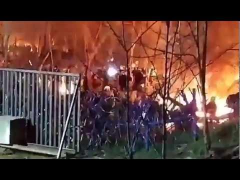 Eskalation an Grenze zu Griechenland Verzweifelte Schutzsuchende legen größere FeuerGrenzanlagen