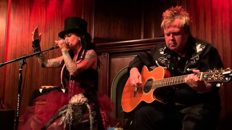 Dilana - Like A Stone - Live at the Lounge 3-22-15