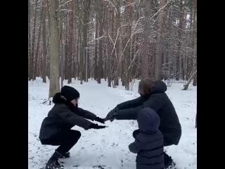 Дмитрий Маликов с детьми на зарядке