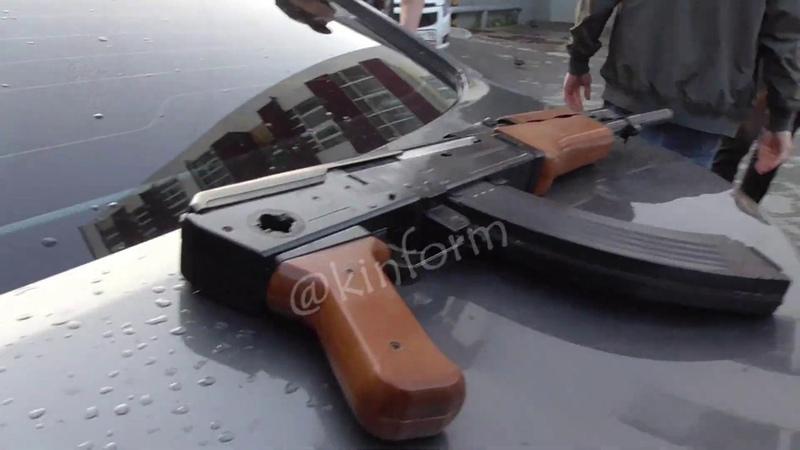 Демонстрировал Калашников из окна авто в Сургуте