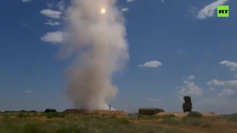 С-300 показал боевые возможности на учениях в Астраханской области