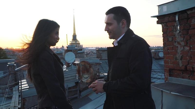 Красивое свидание с видом на Исаакиевский собор в Петербурге