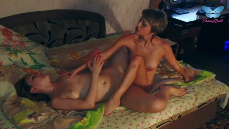 40 Minutes of Amateur Lesbian Compilation with Rough Double Dildo