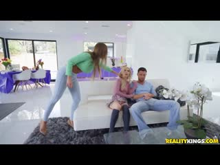 Britney Amber, Kenzie Reeves - Stepmoms ПОРНО, Porn, All Sex, Blowjob, Threesome, Facial, MILF]