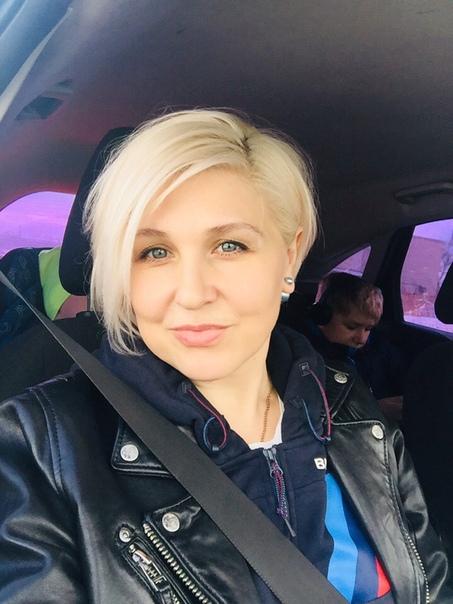 Женщина бросилась под машину, чтобы спасти своих детей. Случай произошел 24 мая на 95-м километре трассы А-322. Сначала из-за лесного пожара и дыма из-за него там врезались четыре автомобиля. К