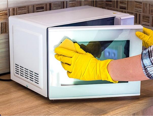 Помойте микроволновку за 5 минут