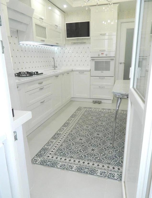 Просто загляденье - симпатичная кухня в белом цвете