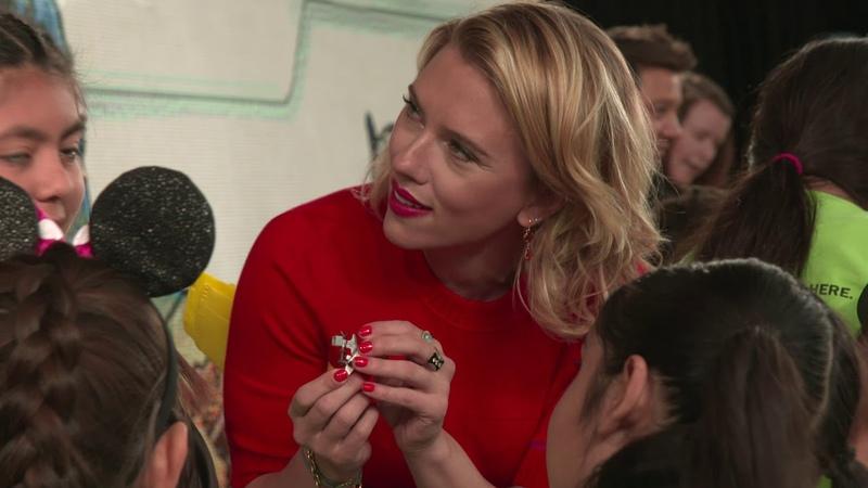 Scarlett Johansson, Paul Rudd, Chris Hemsworth and Jeremy Renner in the Avengers Unite Lego Store