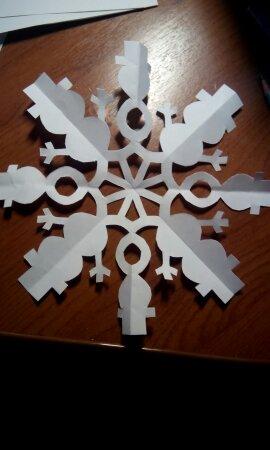 Ещё один пост про снежинки)) Если у вас нет принтера, то можно самим шаблон для вырезанияИли срисовать с тех, что были опубликованы