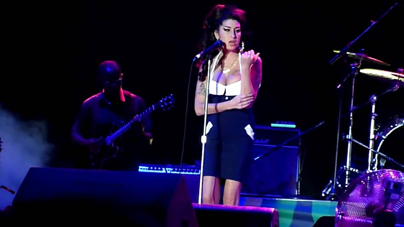 Amy Winehouse - I'm On The Outside (Looking In) (cover) HD @ Arena Anhembi, São Paulo, Brazil