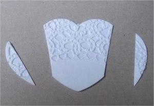 ОТКРЫТКА ДЛЯ МАМЫ СВОИМИ РУКАМИ Из бумажной кружевной салфетки можно сделать красивое платье для украшения открытки для