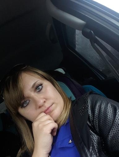 Вам закон не писан: многодетная мать из Татарстана сняла на видео, как ехала за рулем с младенцем на руках Жительница Набережных Челнов по имени Агина не так давно в четвертый раз стала мамой.