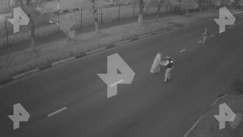 грабитель прокатил женщину на её же авто