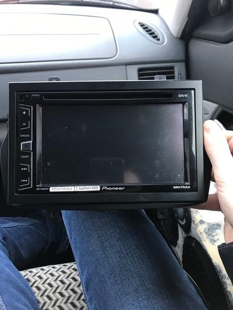 Продам 2 din pioneer avh-x1800dvd в отличном состоянии, покупал 2 года назад...