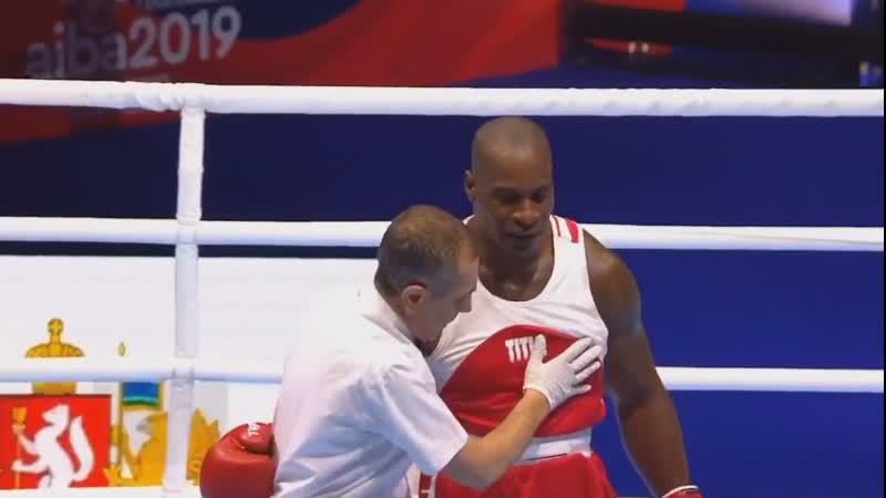 Максим Бабанин отправляет в нокаут Кристофера Эндаллу из Гренады ЧМ 2019 91 кг