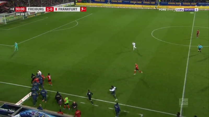 David Abraham red card vs Freiburg redcard fight