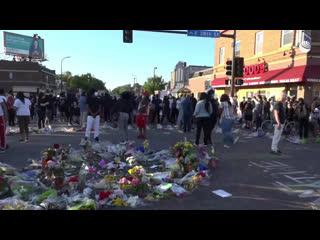 Протесты в Миннеаполисе из-за смерти Джорджа Флойда во время задержания