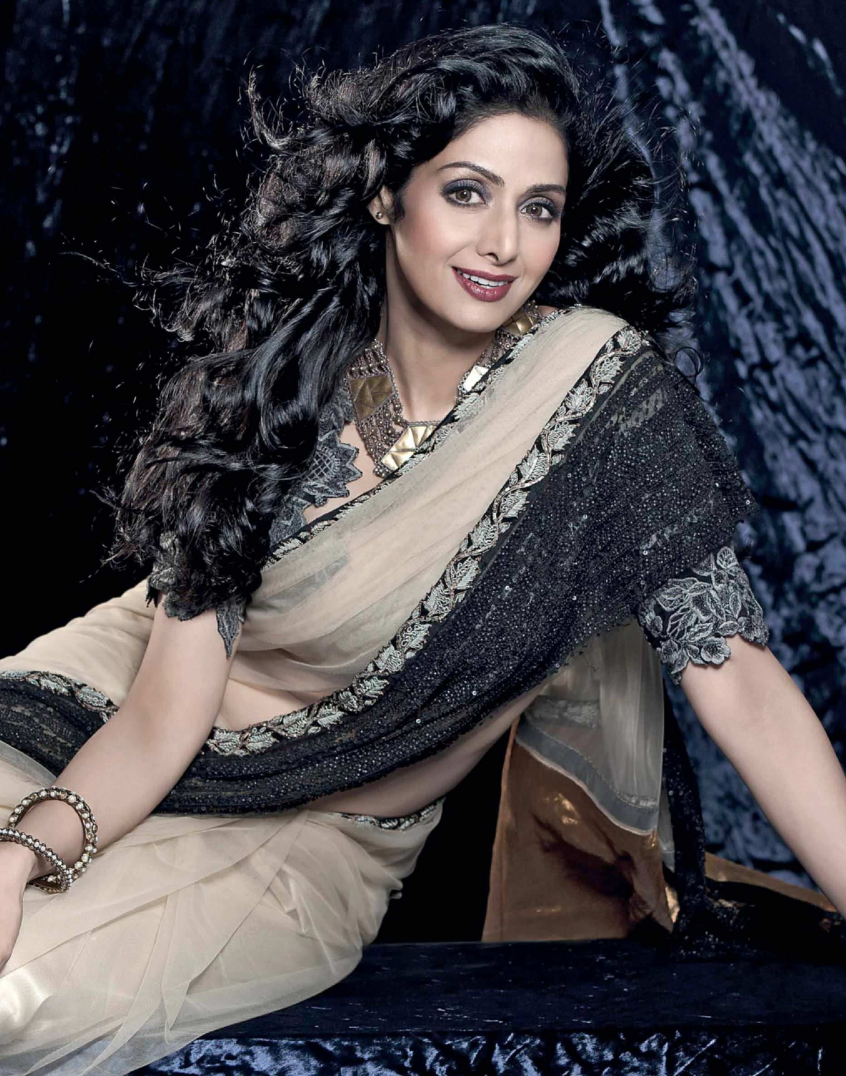 Индийские актрисы картинки с надписями