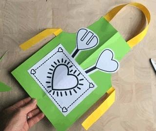ПОДЕЛКА МАМЕ ИЛИ БАБУШКЕ СВОИМИ РУКАМИ. Воспользуйтесь нашим шаблоном, чтобы сделать оригинальную поделку из цветной бумаги в подарок маме или
