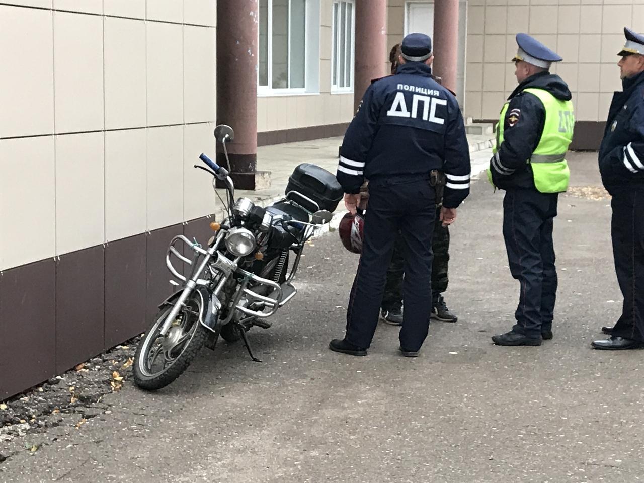 В Волжске сотрудники Госавтоинспеции проверили водителей двухколесного транспорта
