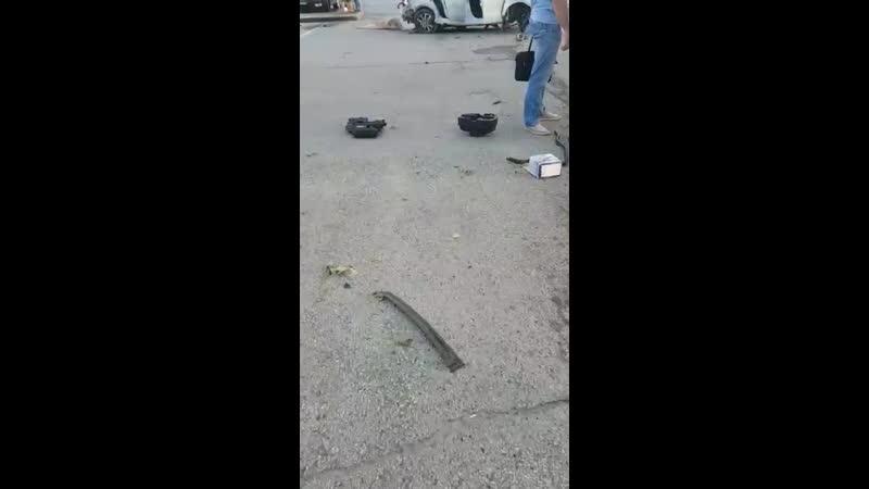 Результаты аварии в Екатеринбурге водитель и пассажир родились в рубашке