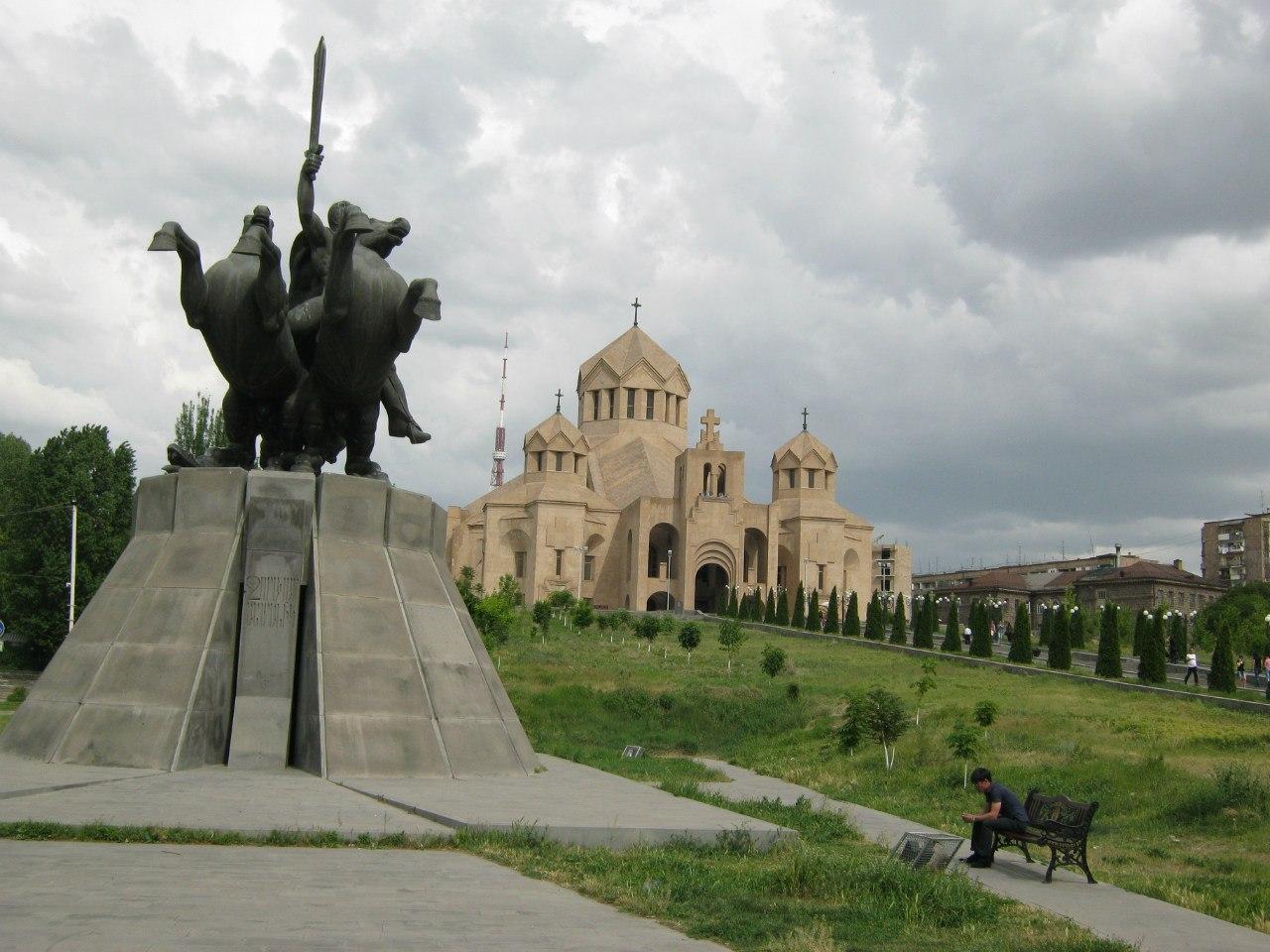 в Ереване самый большой храм в Армении