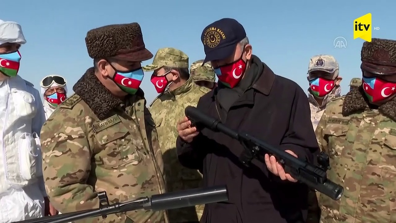 Zakir Həsənov və Hulusi Akar Xüsusi Təyinatlı Qüvvələrin heyəti ilə görüşdü
