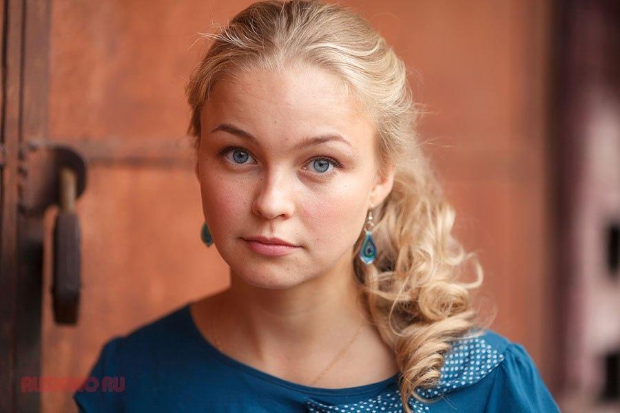 Сегодня свой день рождения отмечает Елена Шилова (II).