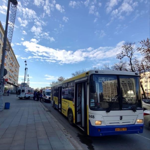 В Екатеринбурге при резком торможении автобуса пос...