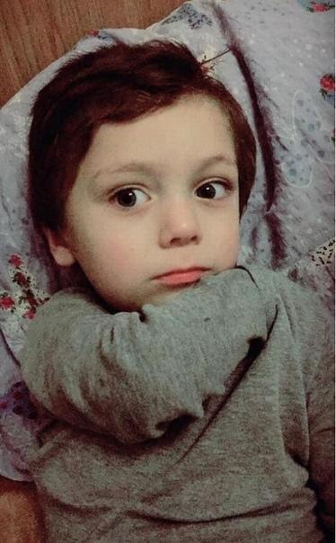 Дерьмовая смерть. В Молдове 6-летний мальчик утонул в дерьме, упав в отхожую яму семейного туалета.Беньямин Осипчук пропал в прошедший вторник в небольшом городке Хынчешть, расположенном в