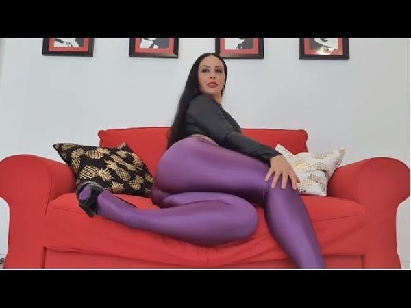 Feet worship Cecilia de Rafael Uppsala purple shiny tights review
