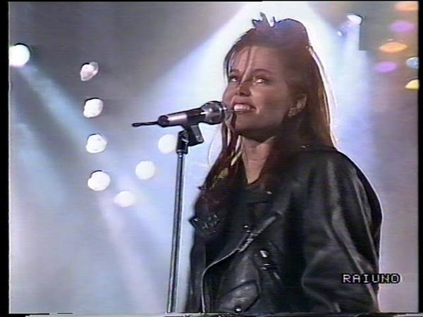 BELINDA CARLISLE Heaven Is A Place On Earth FESTIVAL DI SANREMO Serata Finale 1988
