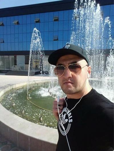 Suhrob, 40, Khujand
