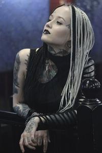 Emili  Avlasevich (Uolst)