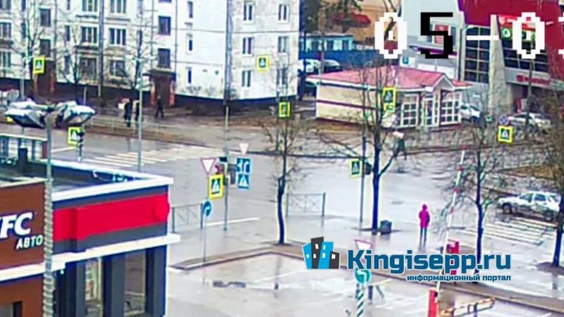 УЖАСНОЕ ДТП в Кингисеппе человек вылетел из авто Видео столкновения с камеры