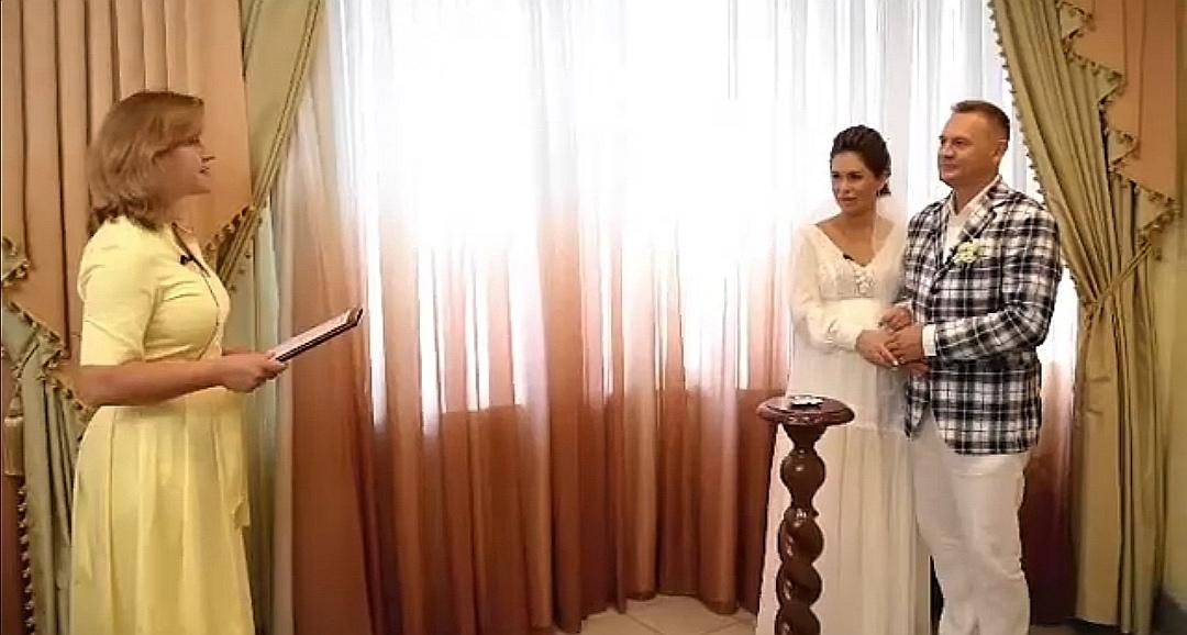 степан меньщиков с женой фото со свадьбы нужно вкусом, отдыхать