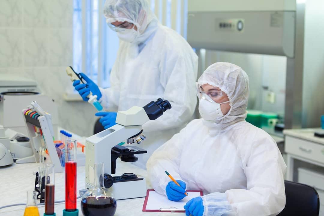 В России уже созданы три лекарственных препарата, которые теоретическим могут быть эффективны при лечении COVID-19