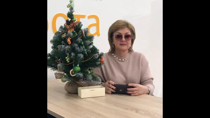 Победительница розыгрыша очков в рамках презентации коллекции бренда Etnia Barcelona